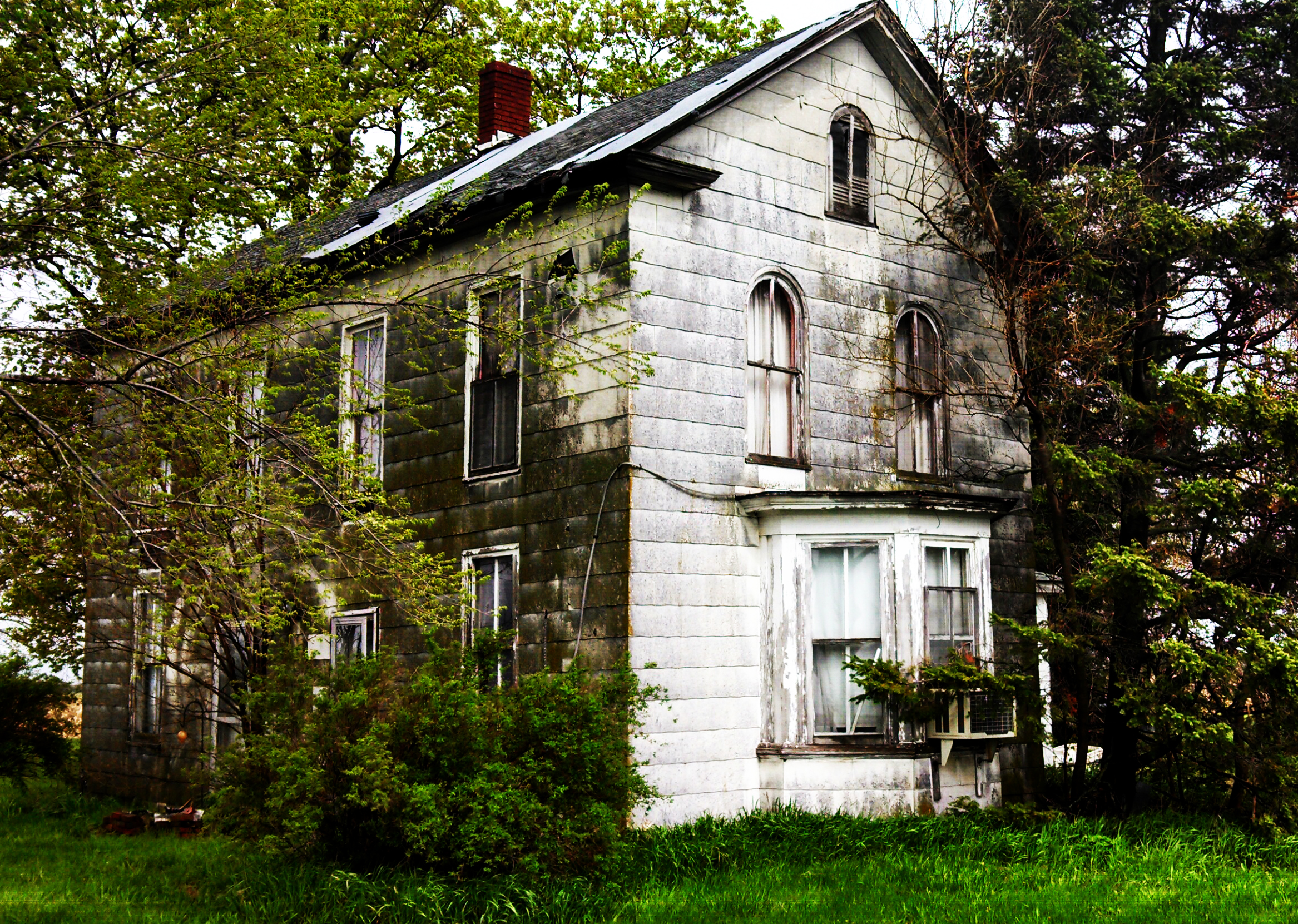 Americana sunearthsky - Houses with arched windows ...
