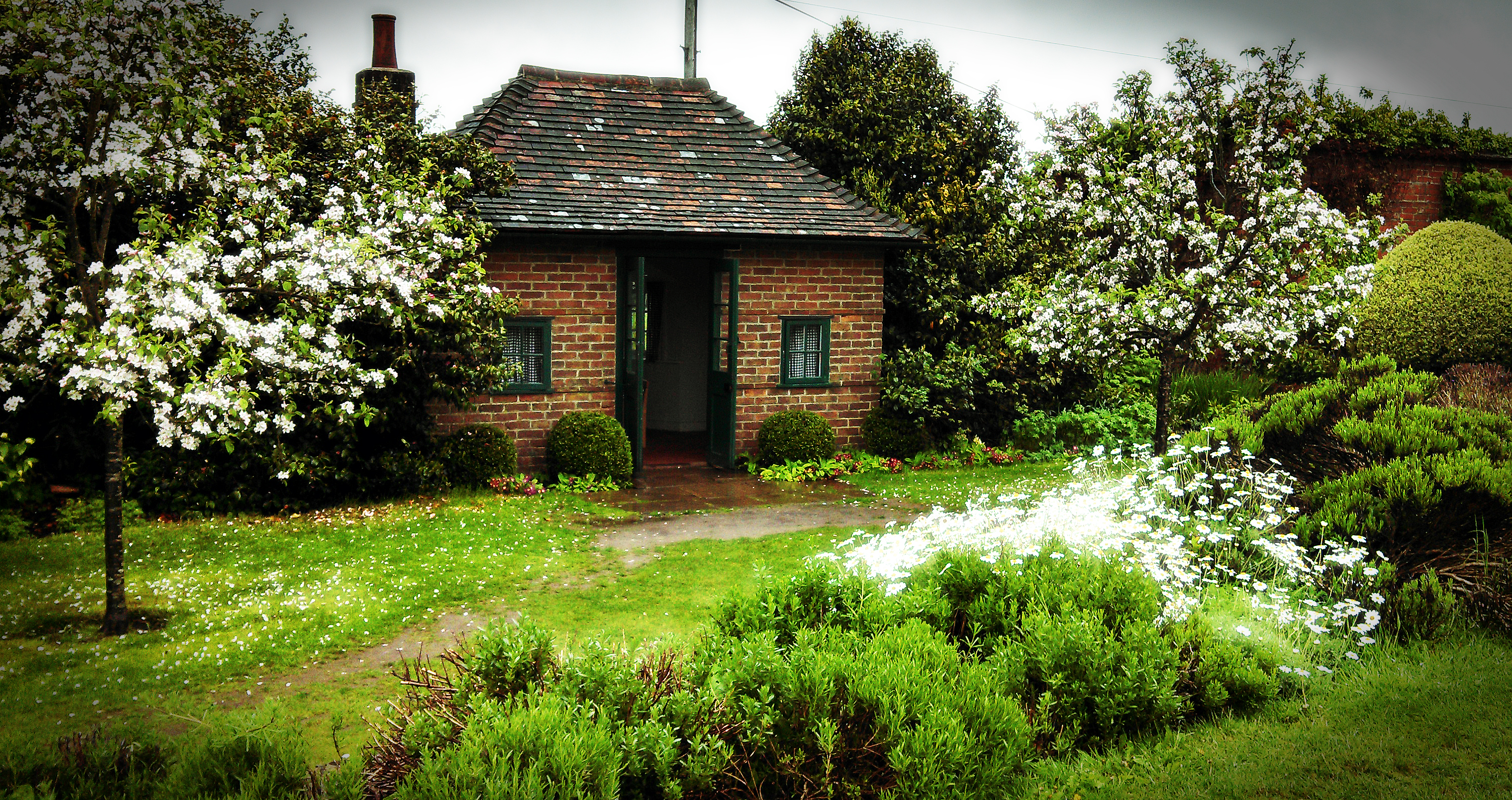chartwell garden playhouse