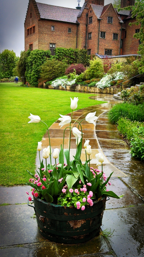 chartwell house tulip pot