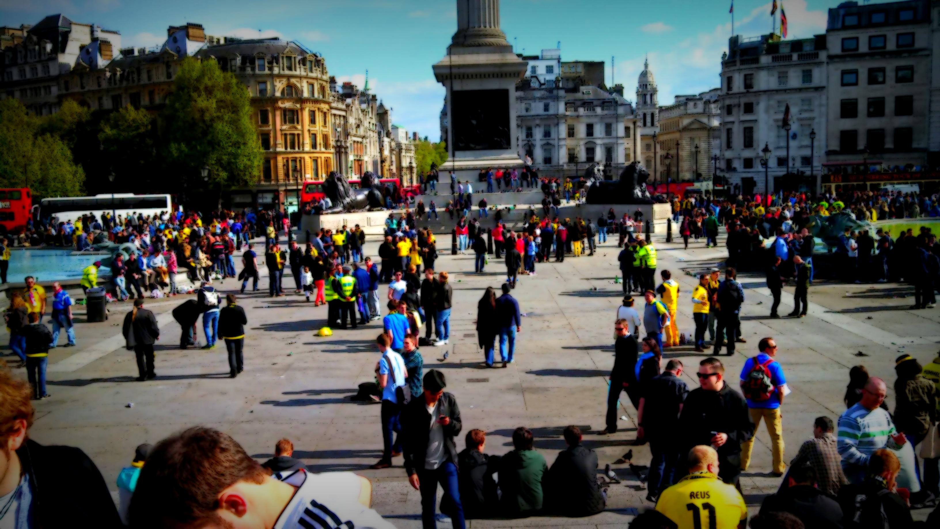 london street scenes trafalgar square