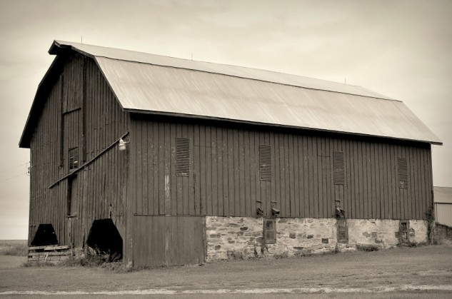 monochrome barn fairview 2