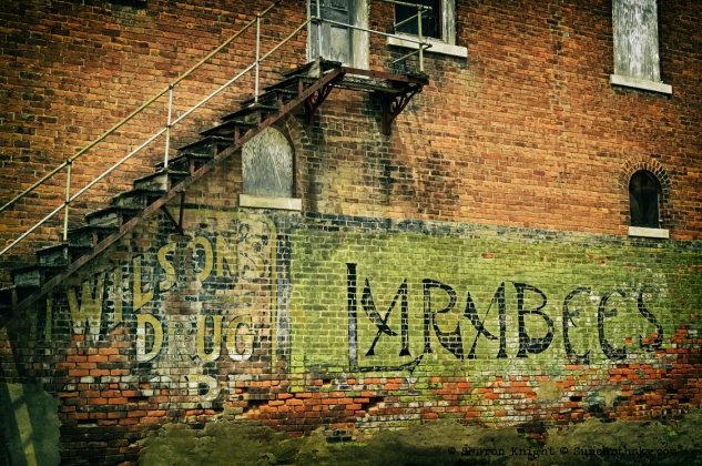 laharpe ghost sign 2