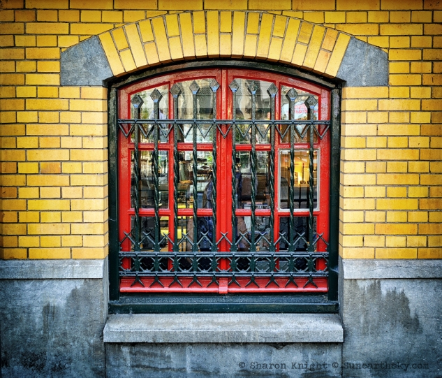 red window 2